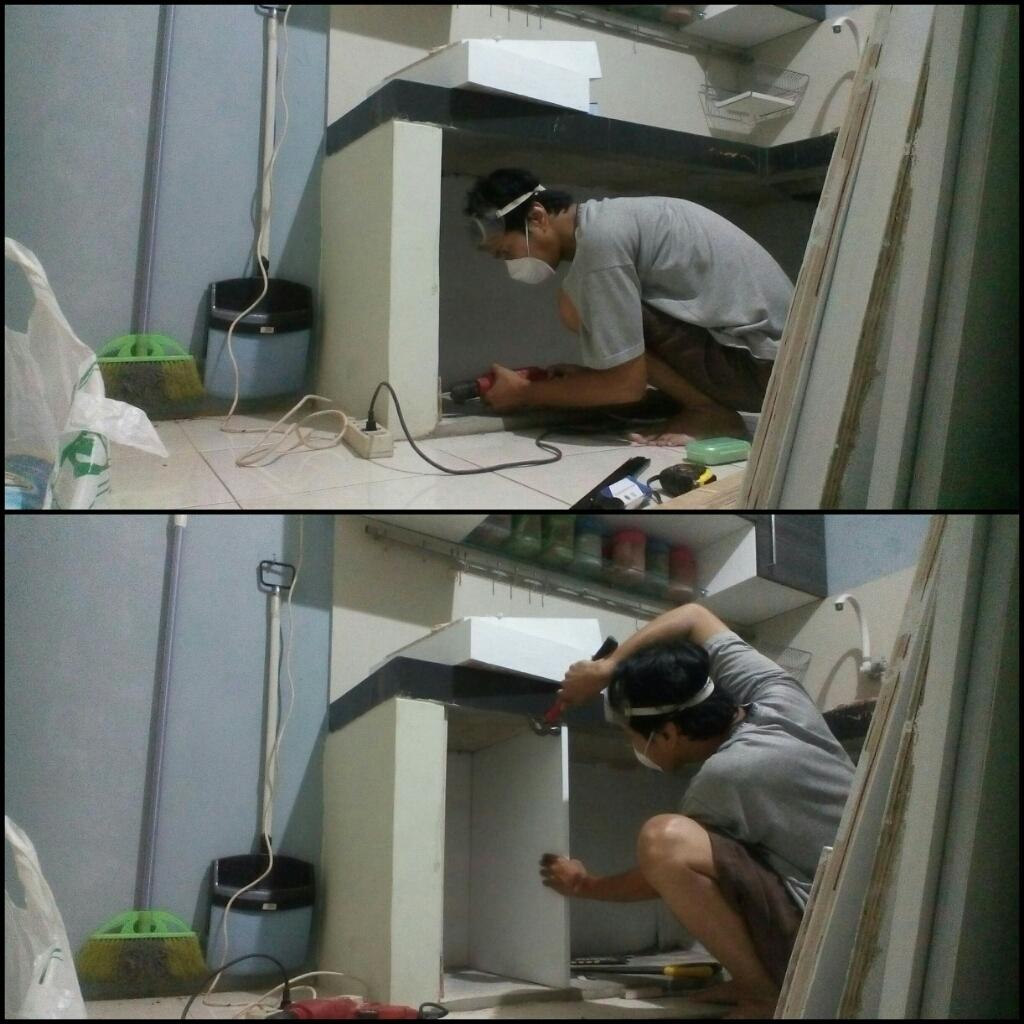 pasang sekat kitchen set