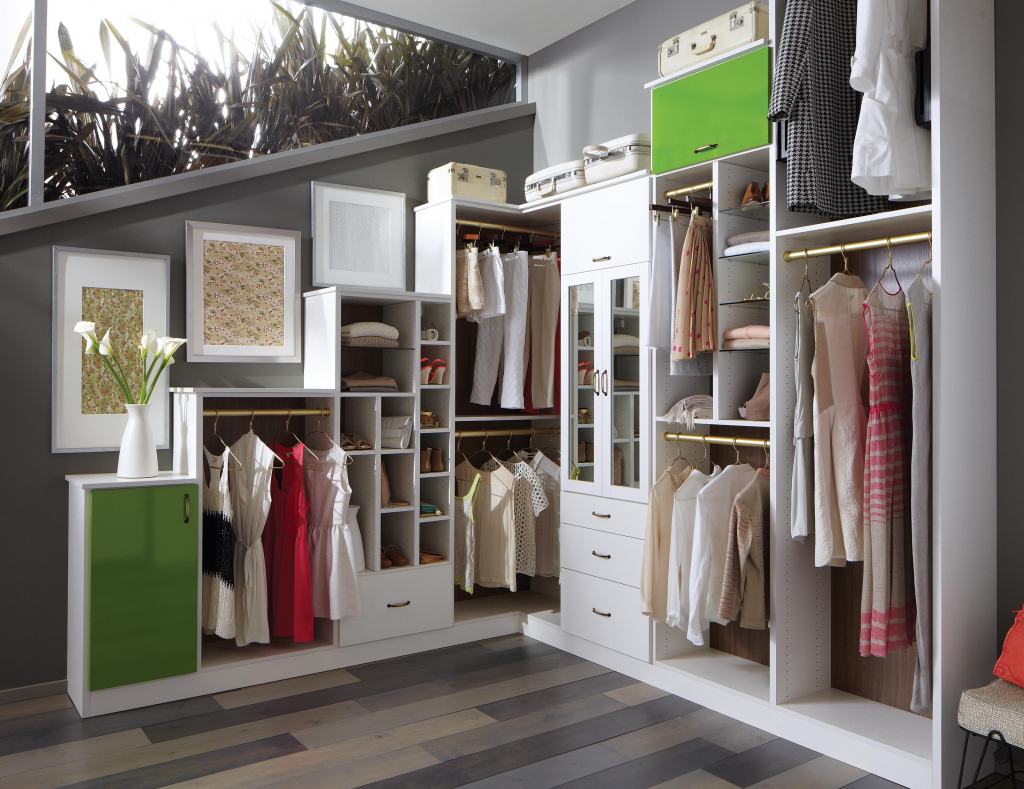 l-walkin-closet